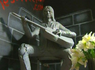 rs_560x415-140221110525-560_Kurt-Cobain-Crying-Statue_jl_022114